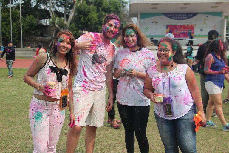 印度好麗(Holi)色彩音樂節:和寶萊塢歌舞秀、傳統印度舞蹈、印度DJ一起揮灑色彩